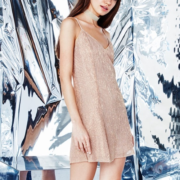 Kendall & Kylie Dresses & Skirts - Kendall & Kylie •NWT Pink Gold Metallic Mini Dress